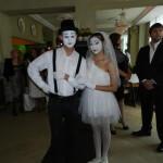 Мимы жених и невеста