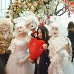 Мимы-ангелы в ТЦ